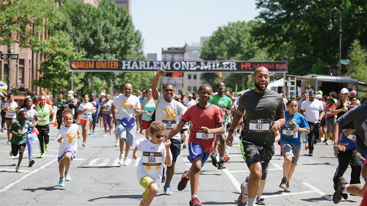 Runners at the Harlem One-Miler